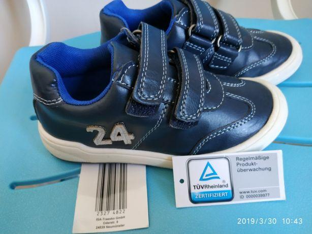 Новые кроссовки для мальчика р. 26, Германия