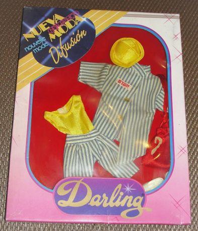 Antigos conjuntos de roupa para a Boneca Darling da Famosa