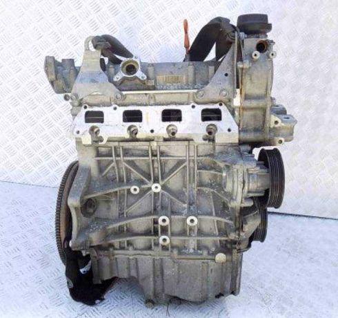 Двигатель Skoda Октавия Фабия 1.6 FSI BLF Мотор Гольф 5 Jetta Джетта