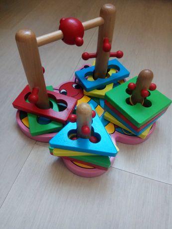Сортер, логическая  пирамидка. Бабочка.