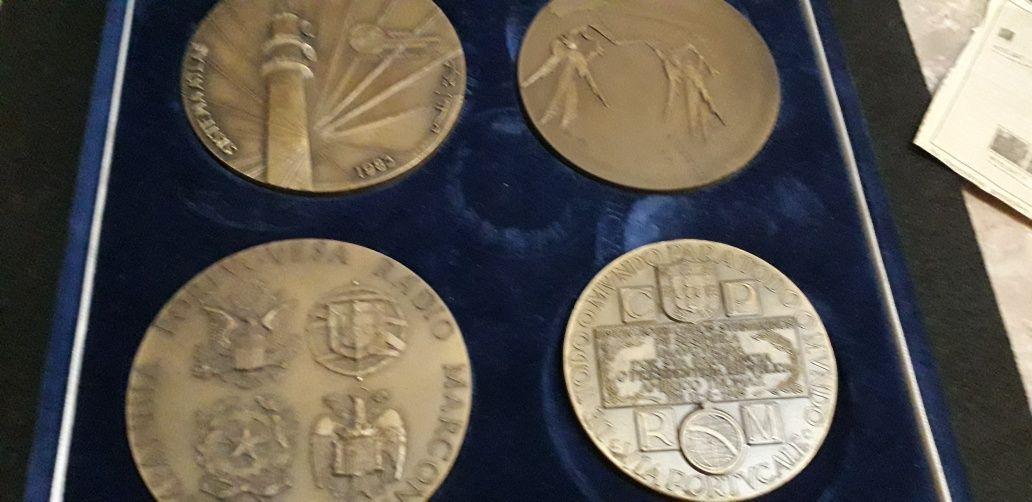 Lote de 7 medalhas comonorativas.