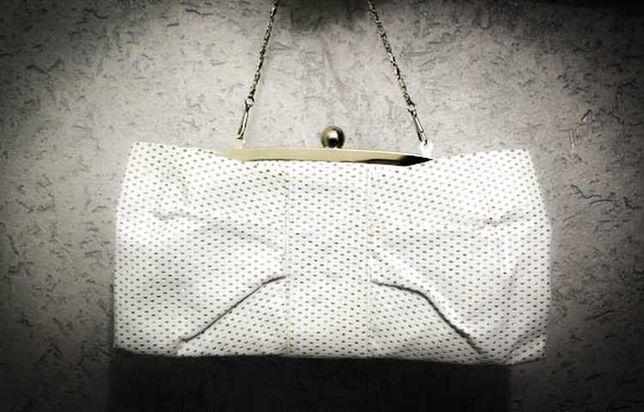 Белая сумка, клатч, косметичка с перфорацией