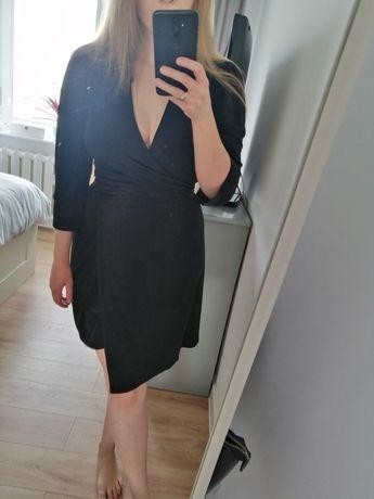Czarna sukienka midi z dekoltem M