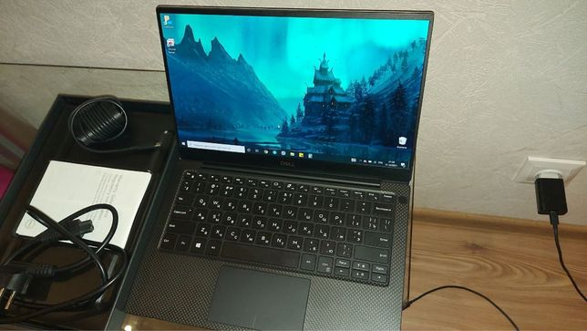 Dell XPS 13 9380 2k/i7-8565U/256 , W10