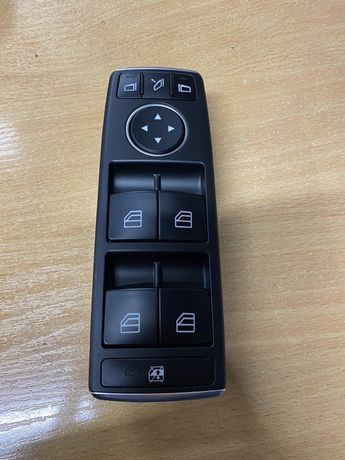 Кнопки стеклоподьемника новые МЛ 166 w166 W204 W212 мерседес A16690544