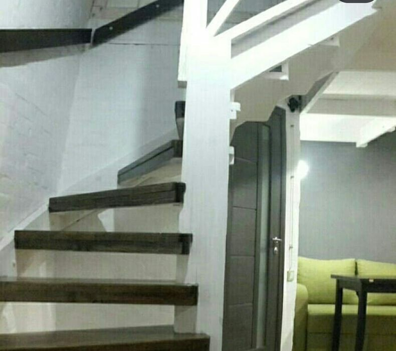 У метро Южд двухэтажная клиника Имплант вблизи Трц Никольский-1
