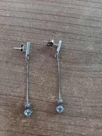 Kolczyki z cyrkonią i obrączka