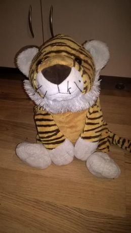Мягкий тигр - игрушка размером 45 см на 30 см (Германия)