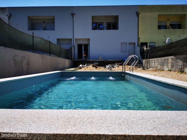 Visite antes que seja vendida Moradia T4 Apúlia renovada praia 1 min