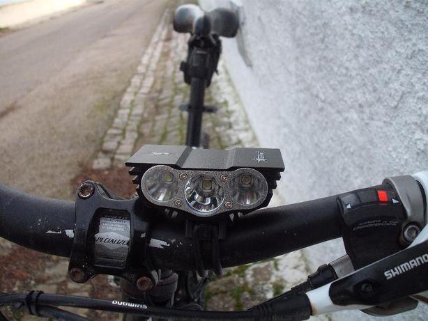 Luz lanterna led btt ciclismo campismo enduro mx caça pesca trail