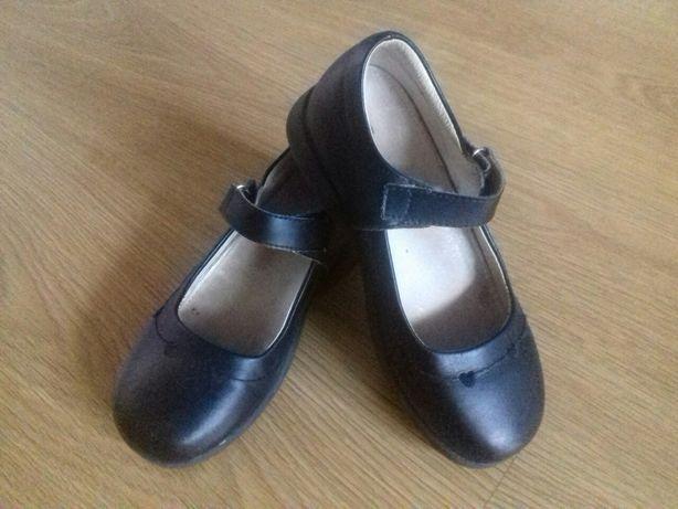 Туфельки черные кожа
