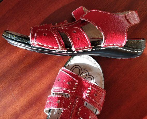 Sandały z naturalnej skóry 37