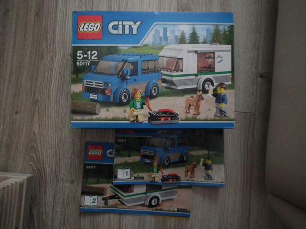 Lego City 60117 Van z przyczepą kempingową.