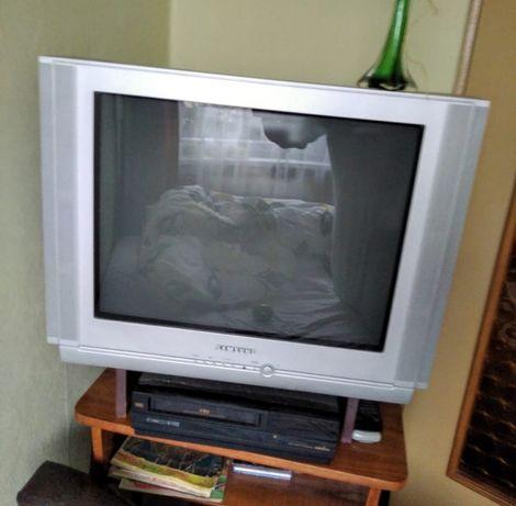 "Telewizor Samsung  ""starego typu"" dodam"