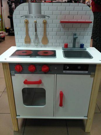 Детская деревянная кухня немецкой фирмы Playtive
