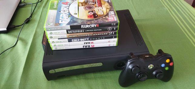 Xbox 360 Elite 120GB z padem i grami