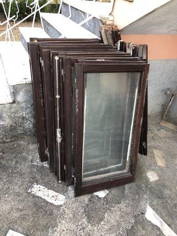 Vendo janelas em madeira maciça