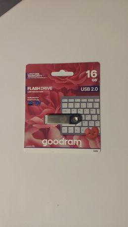 Nowy pendrive Goodram 16gb z serduszkiem