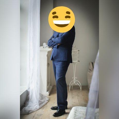 "Костюм мужской ""M"" размер и рубашка))"
