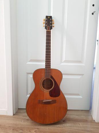 Gitara akustyczna folkowa  Yamaha FG-110 Z 1972 roku