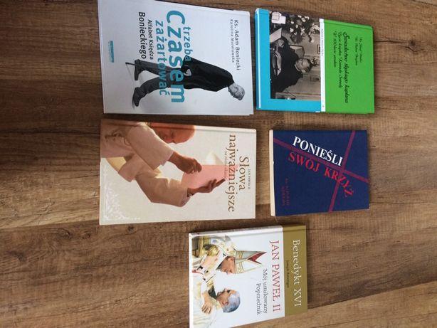 Zestaw książek o tematyce religinej