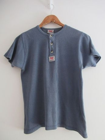 Niebieski t-shirt podkoszulek Levis Levi's guziki vintage S/M