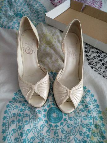 Buty szpilki białe rozmiar 38