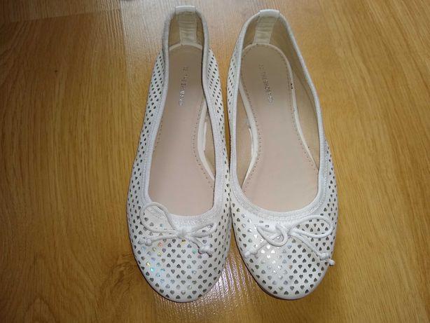 Białe buciki baleriny rozm. 32