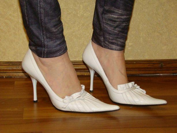 Белые кожаные туфли, размер 35
