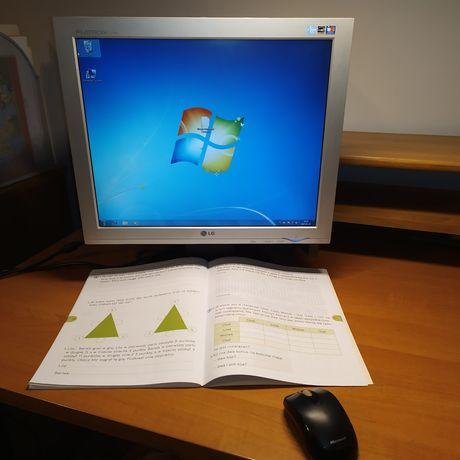 Komputer PC, internet, zdalne nauczanie. Zamienie
