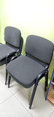 Офисные стулья в отличном состоянии 4 шт.