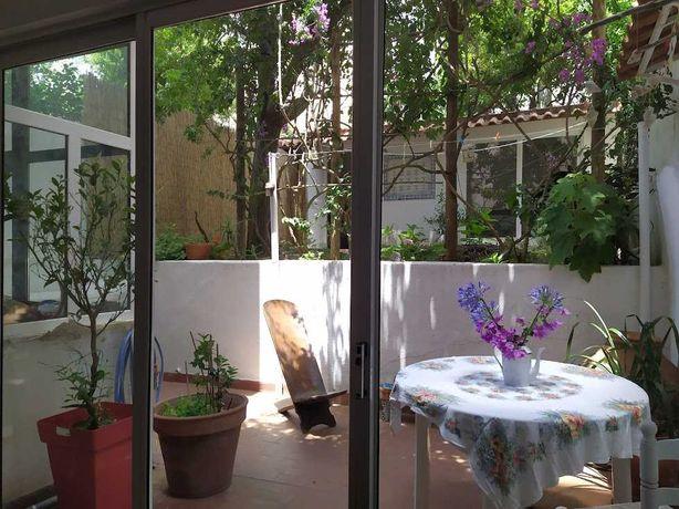 Charmoso T2 com quintal de 60M2 em BELEM 2 Bedrooms + Garden