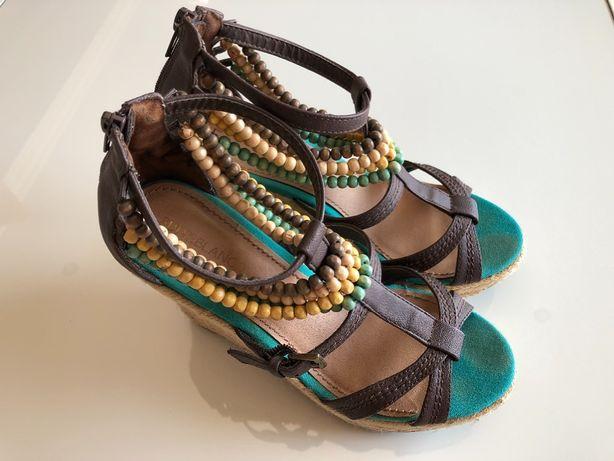 Sandálias de cunha - Tamanho 37