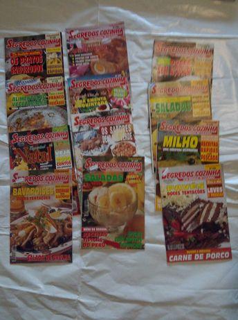 2€ por 3 livros +3  revistas com receitas de cozinha