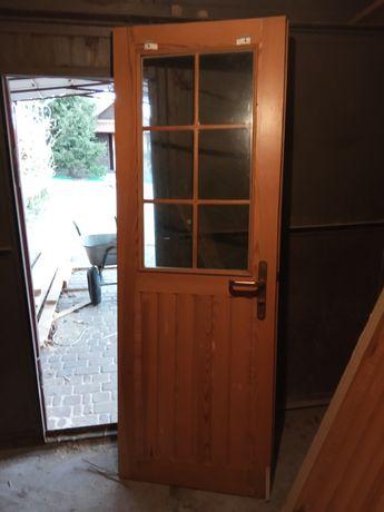 Двері дерев'яні вхідні