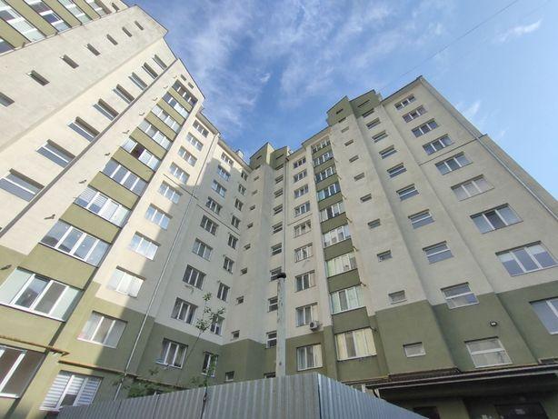 Дворівнева квартира у зданій новобудові поруч з центром