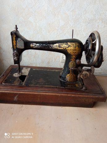 Продается швейная машина