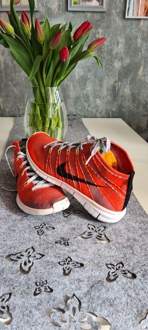 Nike flyknit 42 chukka