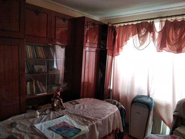 Обміняю двох кімнатну квартиру в Стрию на будинок з землею в Карпатах