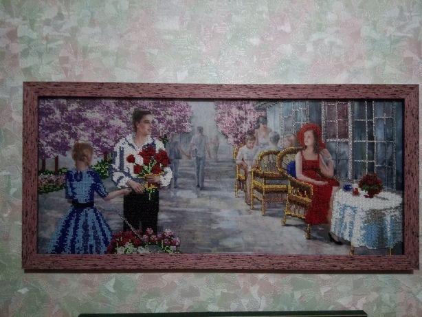 Продам картины вышитые крестиком и бисером.