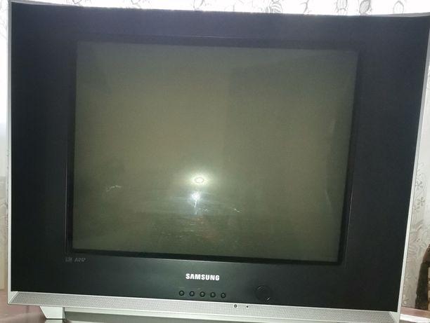Продам телевізор в ідеальному стані