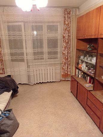 Нивки. Сдам 2-х комнатную в аренду. Туполева. Среднее состояние.