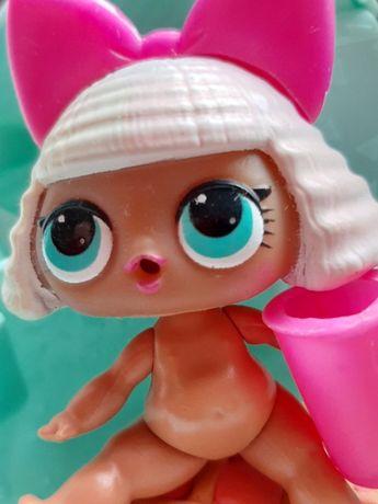ЛОЛ Кукла:Дива Серия:первая Дефект:порван костюм Редкость: модная