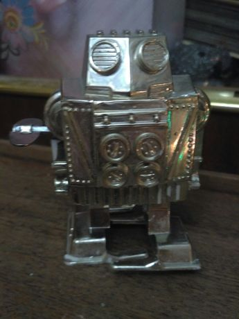 Игрушка робот-заводной СССР 80-е