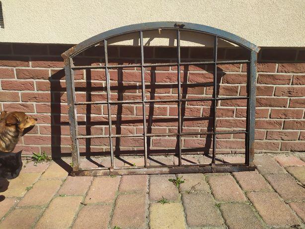 Okno stalowe zabytkowe