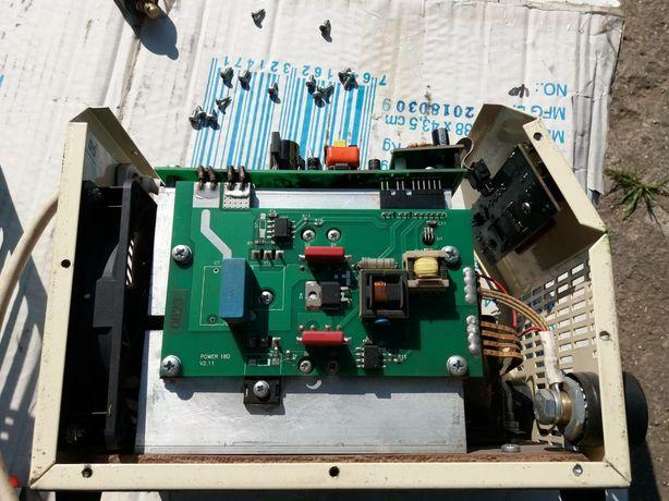 Сварочний инвертор Атом 180 д . Состояние нормально.