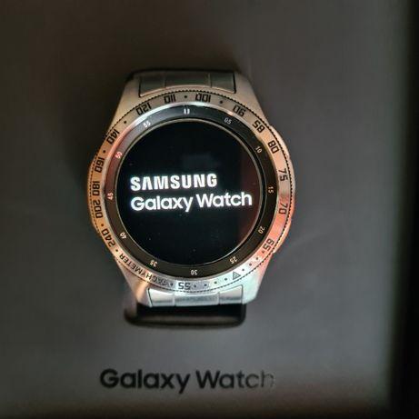 Смарт - часы Samsung Galaxy Watch 46 mm полный комплект