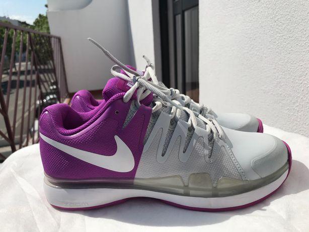 Tênis Nike novo , nunca usado