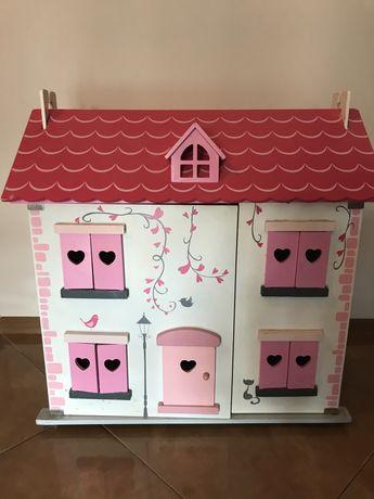 Drewniany domek dla lalek Mothercare