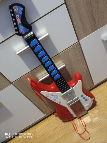 Gitara dla dziecka możliwość grania do muzyki